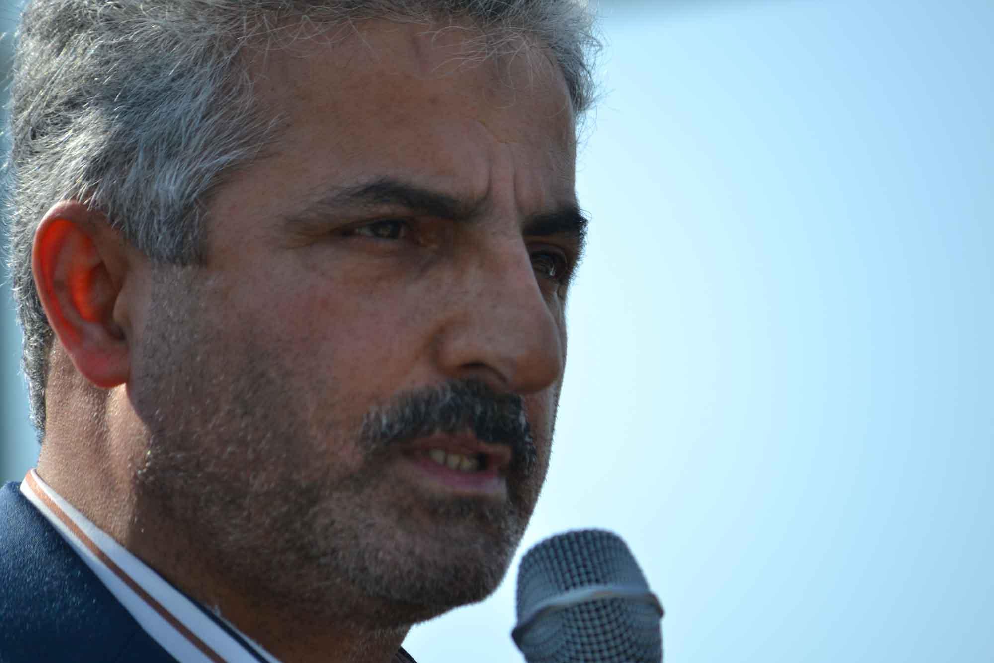 در مجلس چای خارجی مصرف میشود/چای خارجی را به«علی لاریجانی»فروختند/کشاورزان،پول برداشت چای را دریافت نکردند