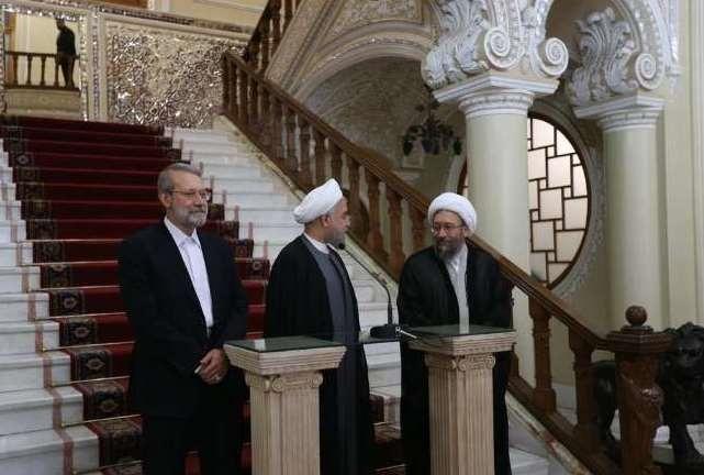 واریز ۱۰۰۰ میلیارد تومان اموال دولتی به حسابهای شخصی رئیس دستگاه قضایی کذب است/گلایه از علی لاریجانی و روحانی