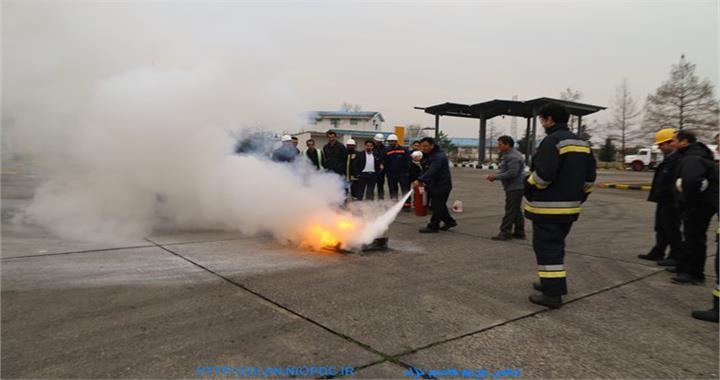 برگزاری مانور ایمنی در مقابل زلزله در مرکز سوختگیری پخش فرآورده های نفتی گیلان