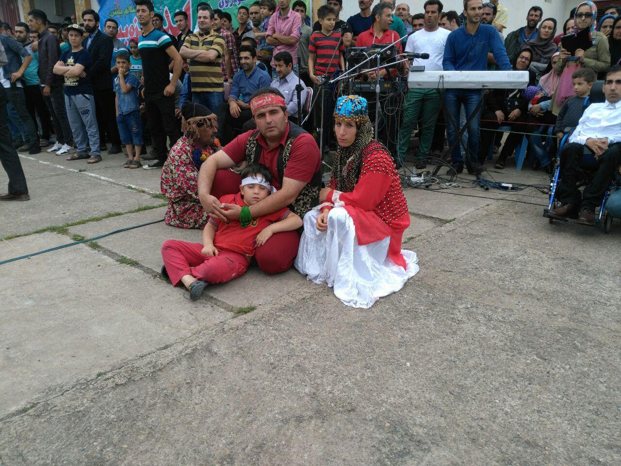 اختصاصی/اجرای لافند بازی توسط جمشید حسین زاده در جشنواره های توت فرنگی صومعه سرا و رودبار